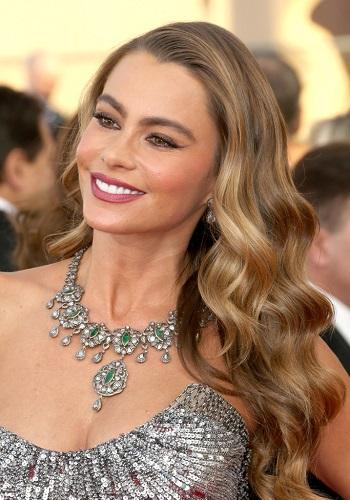 Sofia Vergara's Long Luxurious Wavy Hair