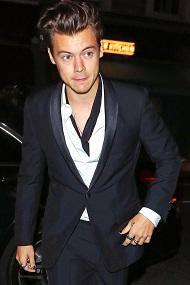 @Harry_Styles' Short Haircut Pairs Perfectly with Black Nail Polish