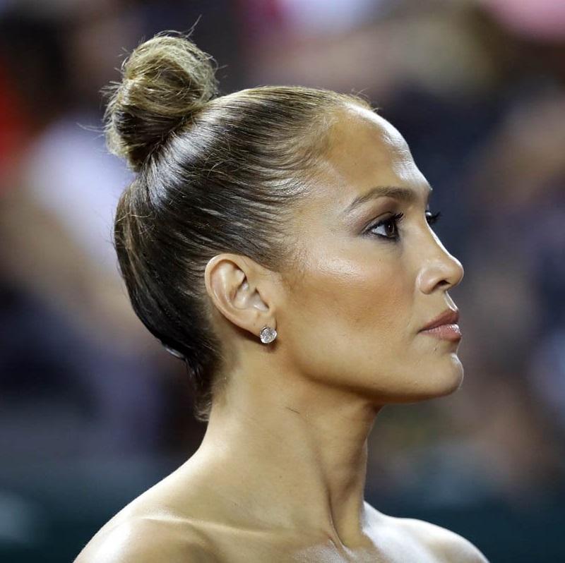 Jennifer Lopez's Sleek Top Knot Hair Tutorial