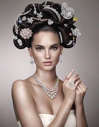 Genuine gems that jewelry with purity. © dmp 2015